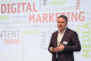 Heiko Rittweger (RITTWEGER und TEAM Werbeagentur) stellt Grundlagen und Instrumente für ein wirkungsvolles digitales Marketing vor.
